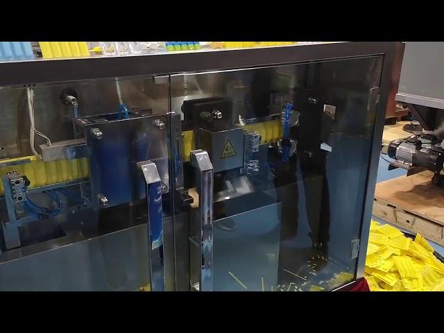 Macchina per l'imballaggio della fiala di riempimento della forma della fiala di plastica della macchina di riempimento e di sigillatura liquida orale del PVC PAPE R